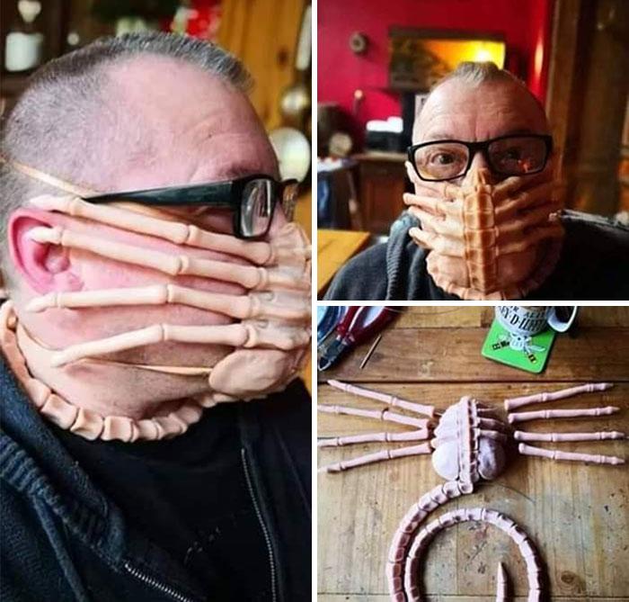 Facehugger Coronavirus mask